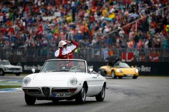 Kimi Raikkonen, Alfa Romeo Racing, durante la drivers parade