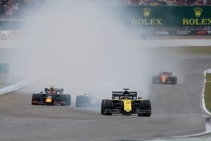 Daniel Ricciardo, Renault F1 Team R.S.19, erupts in smoke as a technical issue ends his race