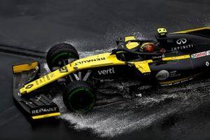 Nico Hulkenberg, Renault R.S. 19 hits the wall