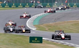 Леонардо Пульчини, Hitech Grand Prix, Лиам Лоусон, MP Motorsport, Педро Пике, Trident