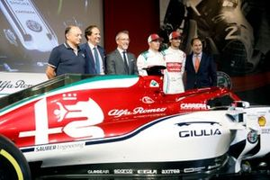 Antonio Giovinazzi, Alfa Romeo Racing, Kimi Raikkonen, Alfa Romeo Racing with the Alfa Romeo Racing C38 Monza livery