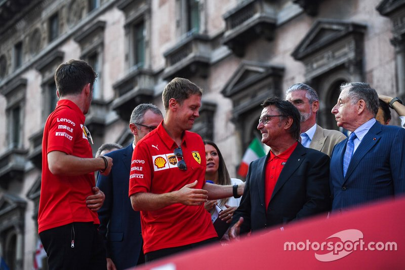 Sebastian Vettel, Ferrari greets René Arnoux