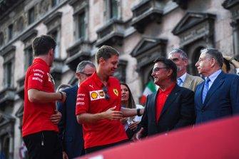 Sebastian Vettel, Ferrari saluda a René Arnoux