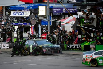 Kurt Busch, Chip Ganassi Racing, Chevrolet Camaro Monster Energy makes a pit stop, Sunoco