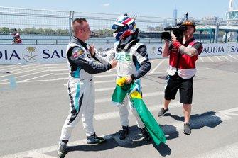 Race winner Sérgio Jimenez, Jaguar Brazil Racing with Simon Evans, Team Asia New Zealand, 3rd position, in parc ferme