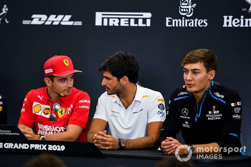 Charles Leclerc, Ferrari, Carlos Sainz Jr., McLaren et George Russell, Williams Racing, en conférence de presse