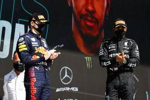 Max Verstappen, Red Bull Racing, en Lewis Hamilton, Mercedes
