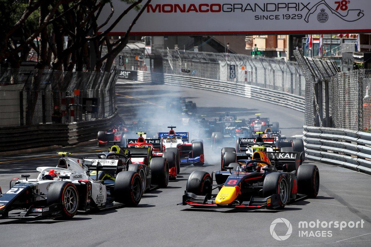 Ralph Boschung, Campos Racing y Juri Vips, Hitech Grand Prix al inicio de la carrera