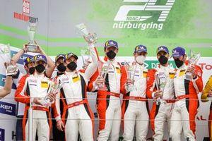 Podium: Race winner #31 Frikadelli Racing Team Porsche 911 GT3 R: Patrick Pilet, Frederic Makowiecki, Maxime Martin, Dennis Olsen, #30 Frikadelli Racing Team Porsche 911 GT3 R: Mathieu Jaminet, Nick Tandy, Earl Bamber, Matt Campell