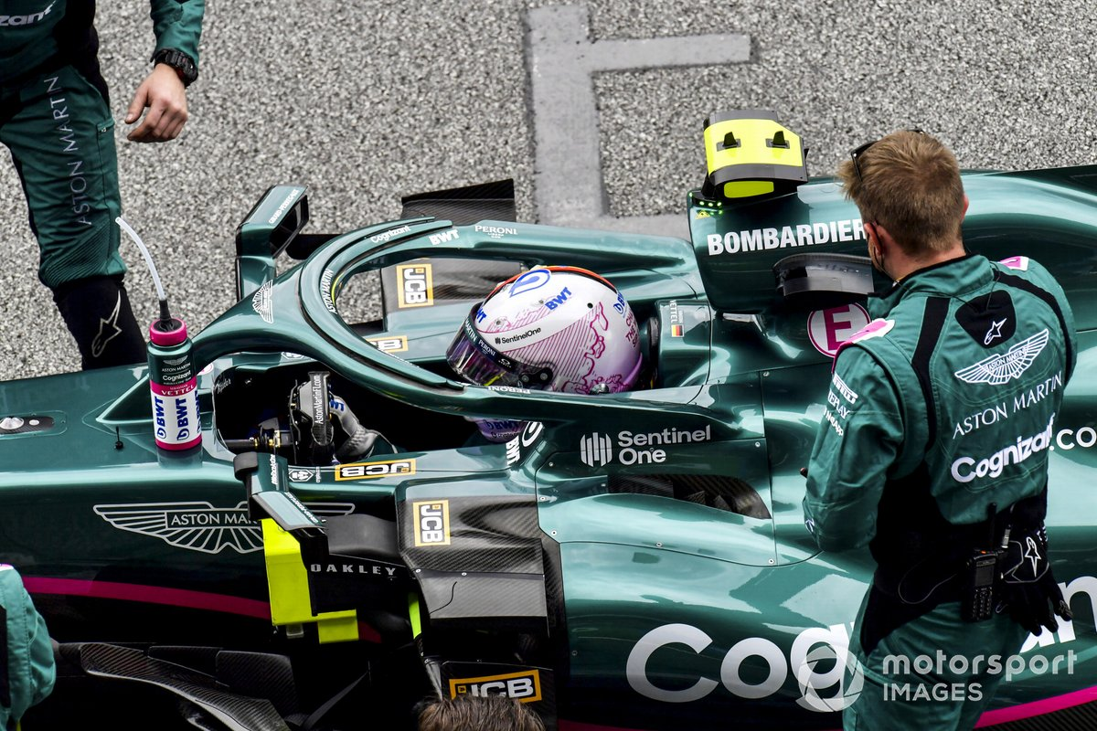 Sebastian Vettel, Aston Martin, sulla griglia di partenza