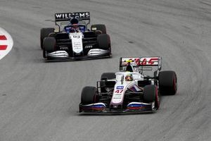 Mick Schumacher, Haas VF-21, George Russell, Williams FW43B