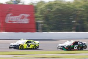 Ryan Blaney, Team Penske, Ford Mustang Menards/Duracell, Bubba Wallace, 23XI Racing, Toyota Camry DraftKings