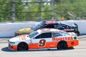 Chase Elliott, Hendrick Motorsports, Chevrolet Camaro Hooters Throwback, Austin Dillon, Richard Childress Racing, Chevrolet Camaro Bass Pro Shops / TRACKER Off Road
