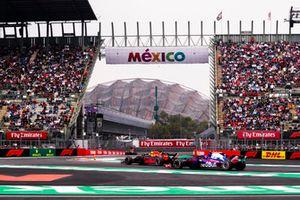 Max Verstappen, Red Bull Racing RB14, Brendon Hartley, Toro Rosso STR13