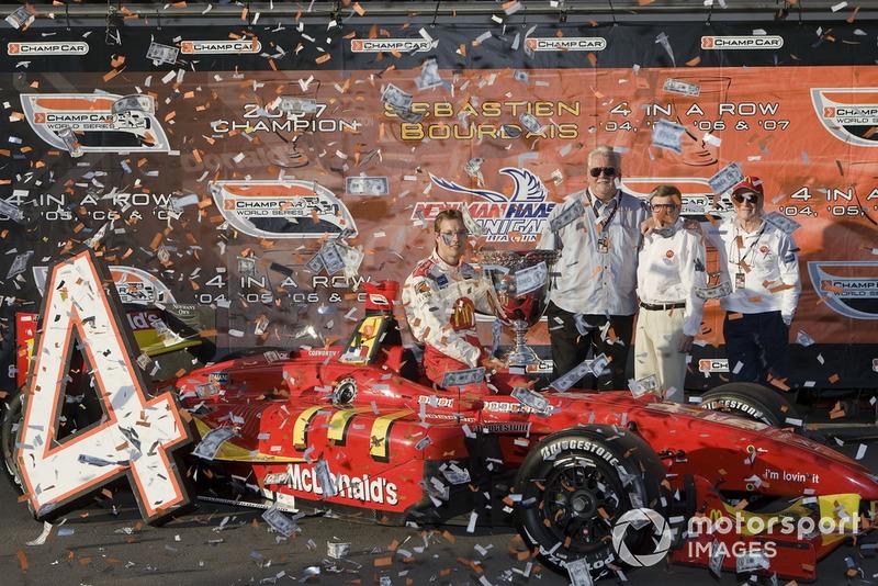 Sébastien Bourdais, Newman Haas Lanigan Racing avec ses patrons Mike Lanigan, Paul Newman et Carl Haas