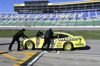 Austin Cindric, Team Penske, Ford Mustang Menards/Richmond crew