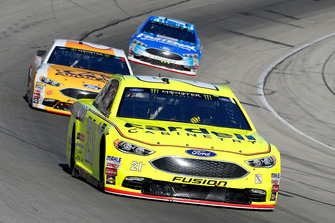 Paul Menard, Wood Brothers Racing, Ford Fusion Menards / Cardell, Trevor Bayne, Roush Fenway Racing, Ford Fusion AdvoCare Rehydrate