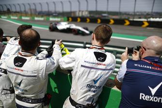 Williams team members photograph Sergey Sirotkin, Williams FW41 Mercedes.