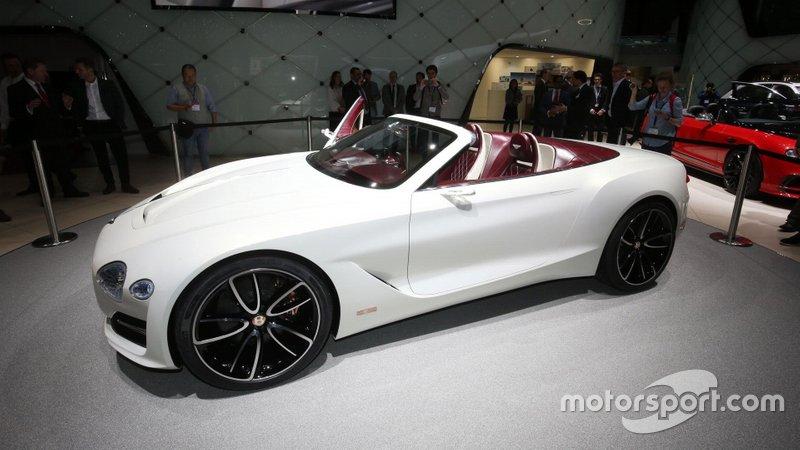 Bentley відкладає випуск свого першого електромобіля