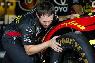 Martin Truex Jr., Furniture Row Racing, Toyota Camry 5-hour ENERGY/Bass Pro Shops crew member