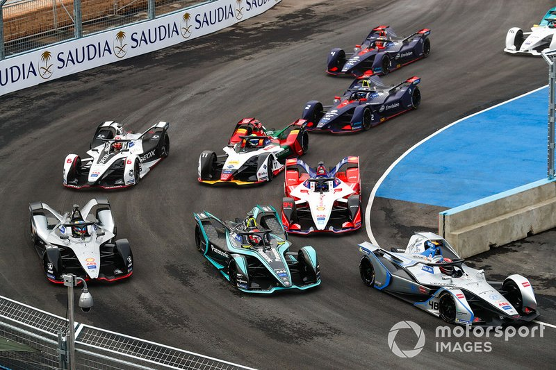 Edoardo Mortara, Venturi Formula E, Venturi VFE05 Nelson Piquet Jr., Panasonic Jaguar Racing, Jaguar I-Type 3, Oliver Rowland, Nissan e.Dams, Nissan IMO1 at the start