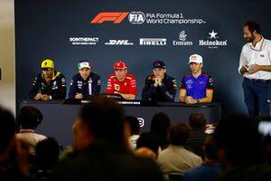 Carlos Sainz Jr., Renault Sport F1 Team, Sergio Perez, Force India, Kimi Raikkonen, Ferrari, Max Verstappen, Red Bull Racing, and Pierre Gasly, Toro Rosso, lors de la conférence de presse