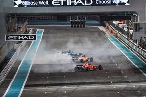 Lewis Hamilton, Mercedes-AMG F1 W09, Sebastian Vettel, Ferrari SF71H and Fernando Alonso, McLaren MCL33 celebrate with donuts at the end of the race