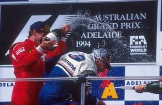 Podium : le vainqueur Nigel Mansell, Williams, Gerhard Berger, Ferrari