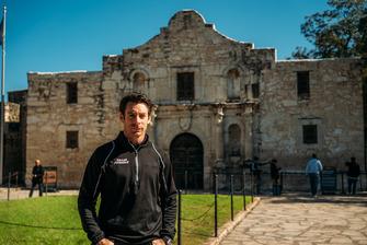 Simon Pagenaud en el Alamo