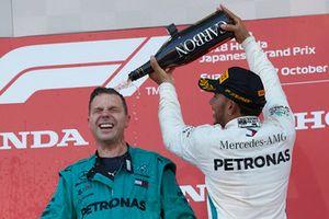 Lewis Hamilton, Mercedes AMG F1, sul podio