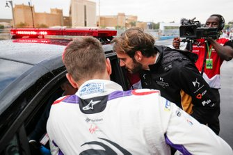 Jean-Eric Vergne, DS TECHEETAH, Robin Frijns, Envision Virgin Racing chat with Race Director Scot Elkins