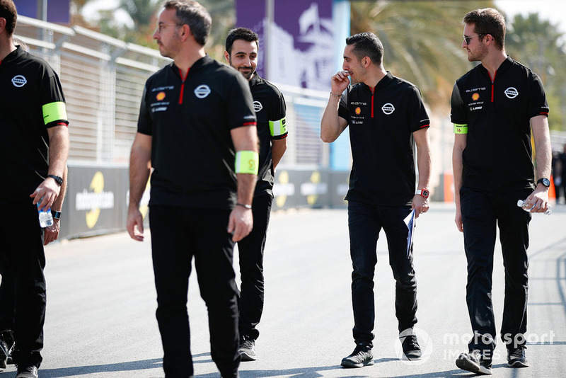 Sébastien Buemi, Nissan e.Dams, on a track walk