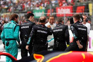 Lewis Hamilton, Mercedes AMG F1, celebrates with his team after winning his fifth World Championship
