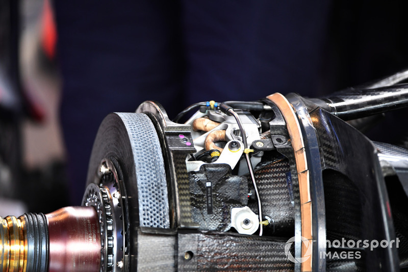 Red Bull Racing RB14 wheel hub and front brake detail