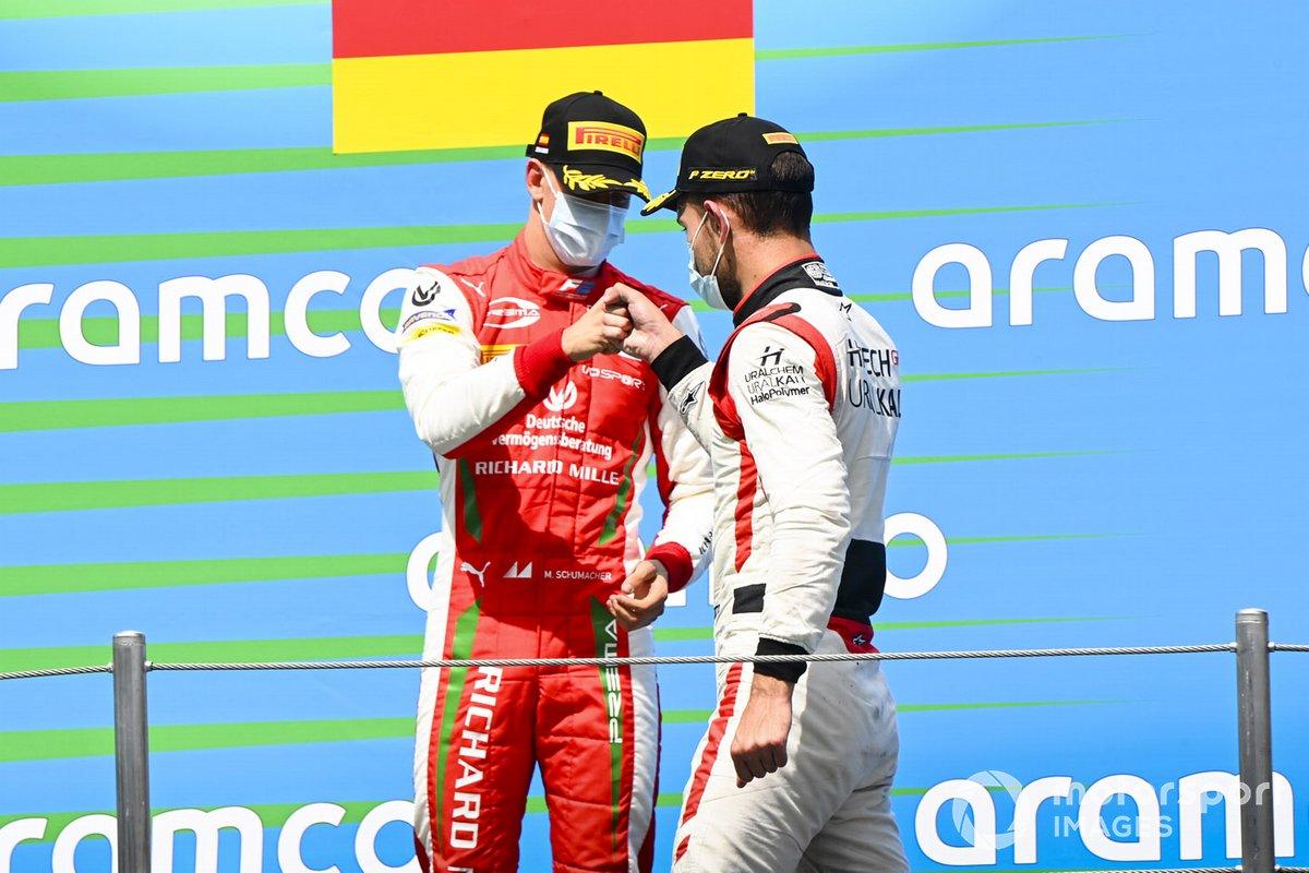 Podio: segundo lugar Luca Ghiotto, HITECH GRAND PRIX, tercer lugar Mick Schumacher, Prema Racing