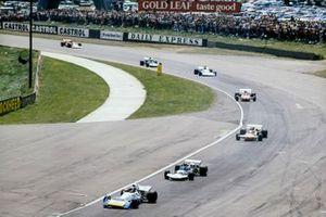 Chris Amon, Matra MS120B, Rolf Stommelen, Surtees TS9 Ford, Henri Pescarolo, March 711 Ford