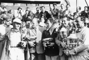 Giuseppe Farina, Reg Parnell, Stirling Moss, Alberto Ascari, Ken Wharton