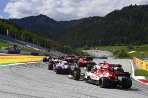 Антонио Джовинацци и Кими Райкконен, Alfa Romeo Racing C39, СерхиоПерес, Racing Point RP20