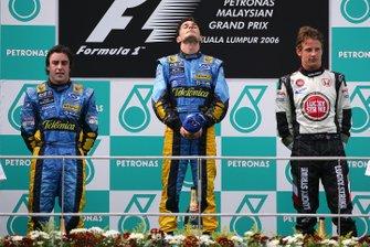 Podio: ganador de la carrera Giancarlo Fisichella, Renault F1 Team, segundo lugar Fernando Alonso, Renault F1 Team, tercer lugar Jenson Button, Honda Racing
