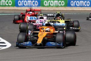 Carlos Sainz Jr., McLaren MCL35, Lance Stroll, Racing Point RP20, Esteban Ocon, Renault F1 Team R.S.20 et Sebastian Vettel, Ferrari SF1000