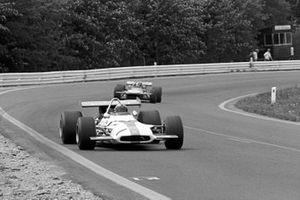 Pedro Rodriguez, BRM P153 leads Chris Amon, March 701