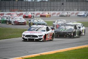 Aric Almirola, Stewart-Haas Racing, Ford Mustang Go Bowling, Kurt Busch, Chip Ganassi Racing, Chevrolet Camaro Monster Energy