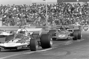 Rolf Stommelen, Surtees TS9 Ford, Emerson Fittipaldi, Lotus 72D Ford