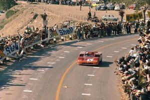 Nino Vaccarella, Toine Hezemans, Alfa Romeo T33/3