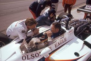 Bobby Unser, Eagle-Offenhauser with team owner Dan Gurney