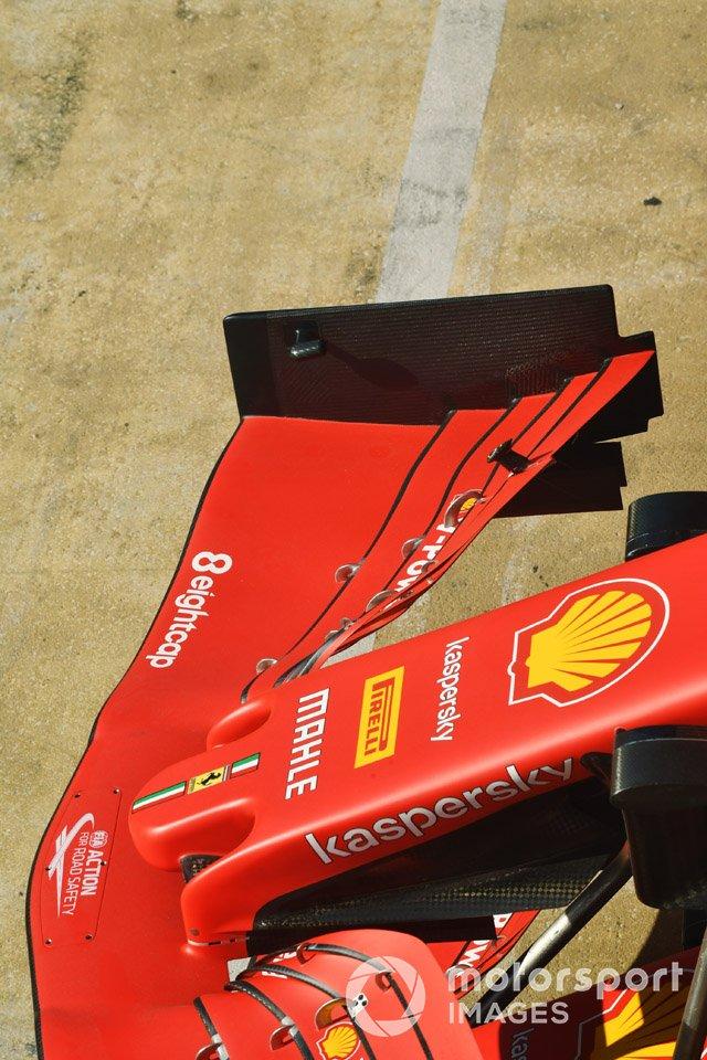 Detalle de la nariz de Ferrari