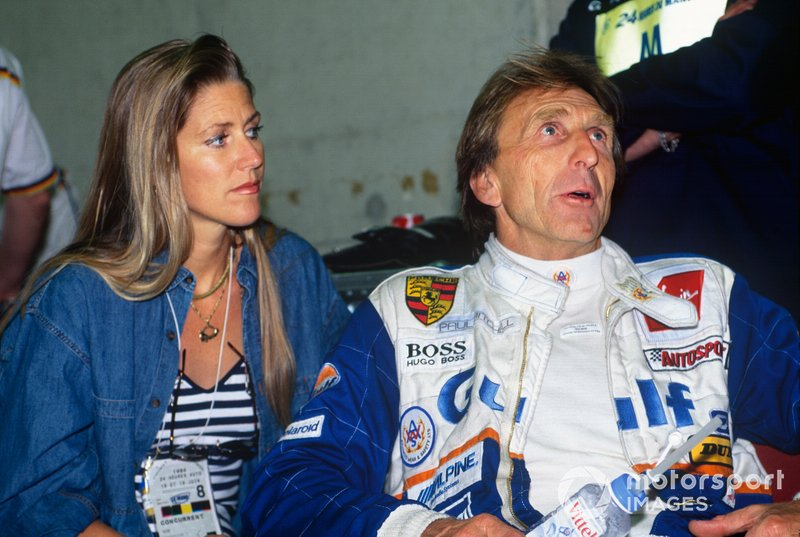 1994 Le Mans 24 Hours - Derek Bell, Kremer Porsche Spyder, with his wife Misty