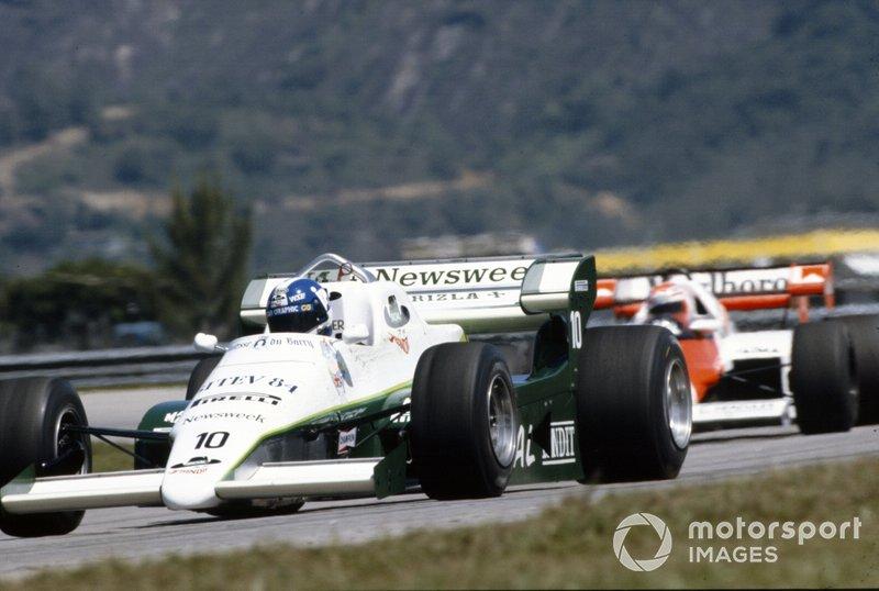 Jonathan Palmer, RAM 01 Hart, leads Niki Lauda, McLaren MP4-2 TAG