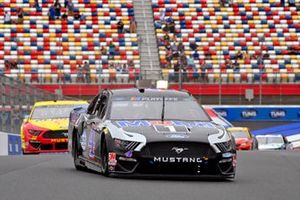 Kevin Harvick, Stewart-Haas Racing, Ford Mustang Mobil 1, Joey Logano, Team Penske, Ford Mustang Shell Pennzoil/Autotrader