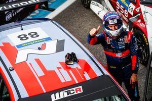 Racewinnaar Nicky Catsburg, Engstler Hyundai N Liqui Moly Racing Team Hyundai i30 N TCR